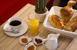 Hôtel Auguste  petit-déjeuner
